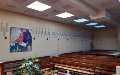 Mejoras en la acústica del templo, que también decoran